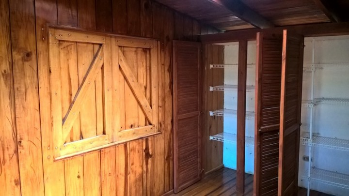 SR8134-Master-with-built-in-closets-and-little-door