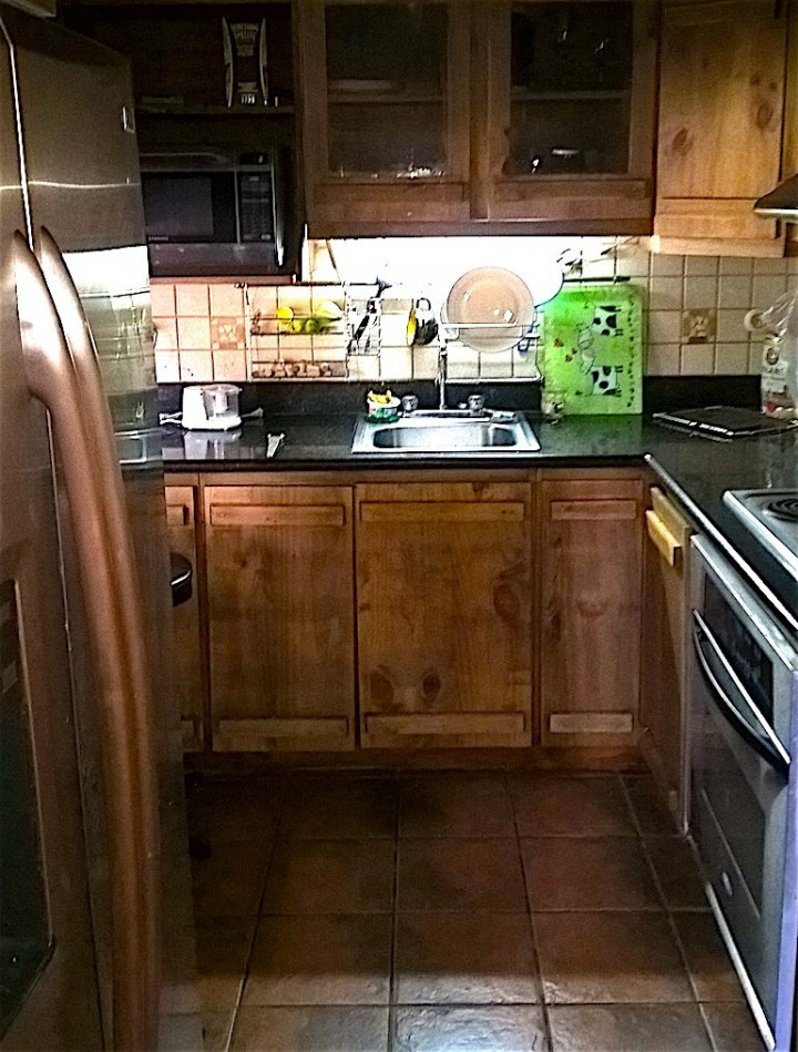 SR8134-custom-kitchen-nice-tiles-and-new-appliances